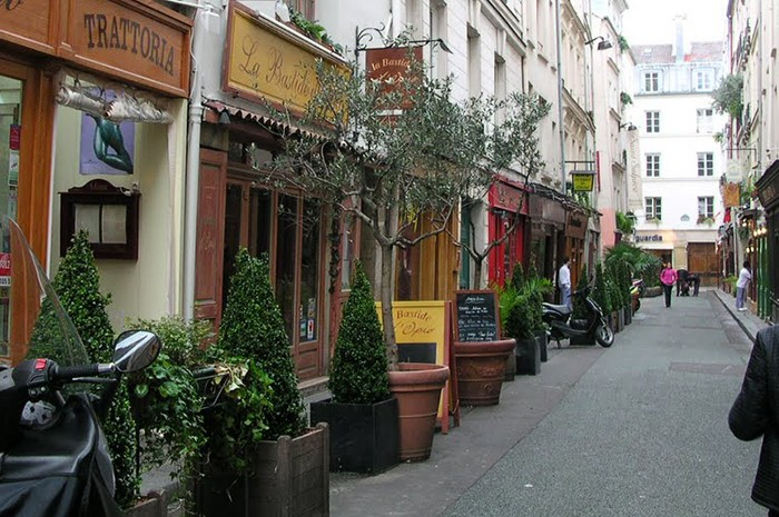 Rue guisarde and rue des canettes hotel luxembourg parc paris official site - Restaurant rue des bains luxembourg ...
